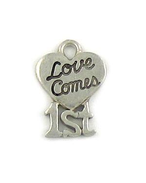 Love Comes 1St (±12x17x1.5mm; - 1D)